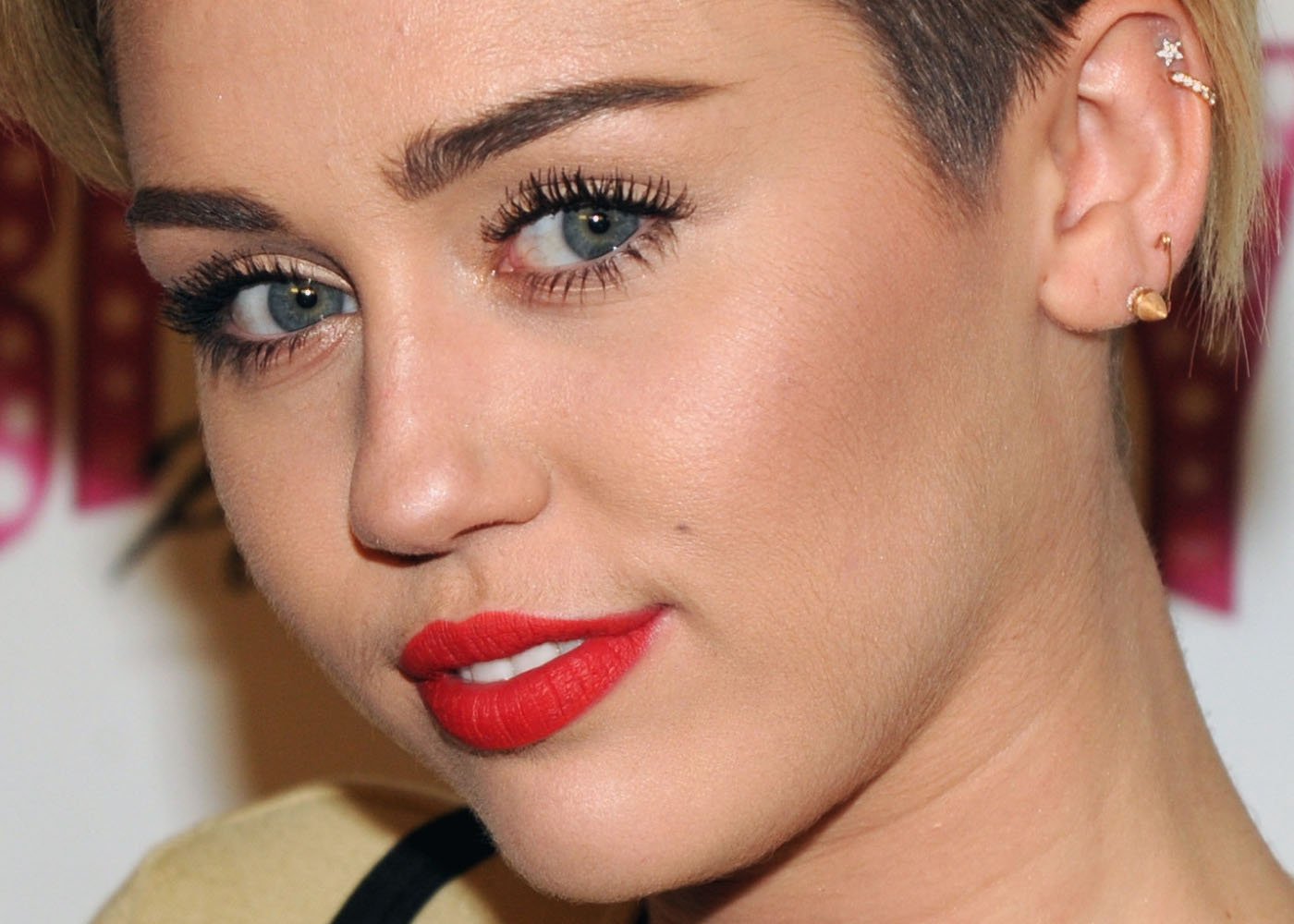 miley cyrus earring
